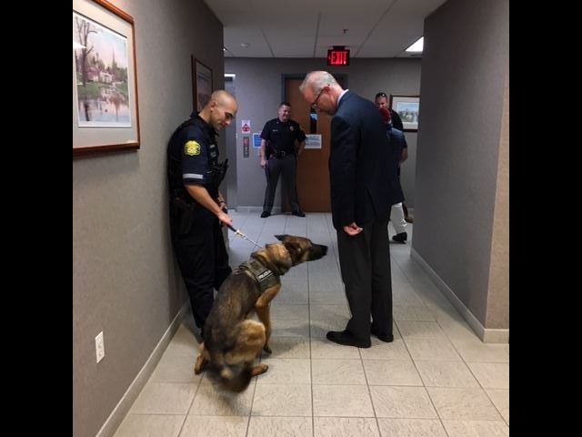 K9_Chase _meets_mayorIMG_2982
